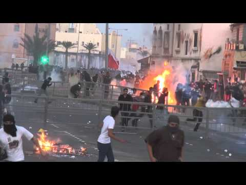 Revolution Bahrain : demonstrations and violent clashes between demonstrators and riot police