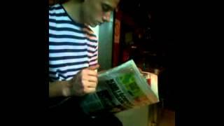 Smesno-Citanje novina na poslu!!!