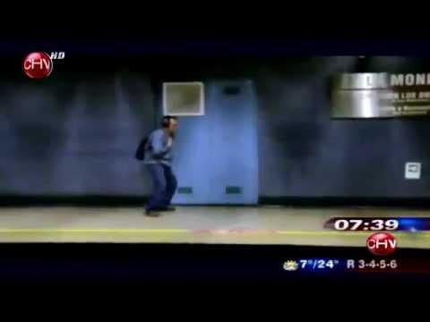 Descubre la historia que existe tras el bailarín anónimo del Metro - CHV Noticias