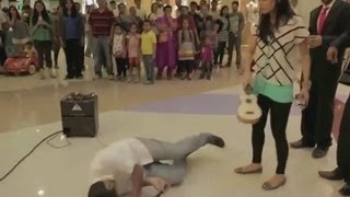 Girlfiend Hit the Boyfriend in Wedding proposal Gone Bad