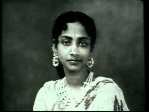 Full version of Koi door se awaaz de : Geeta Dutt