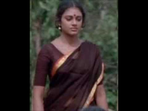 Old Malayalam Actress Shobana Hot Navel In Black Saree In Sexy video