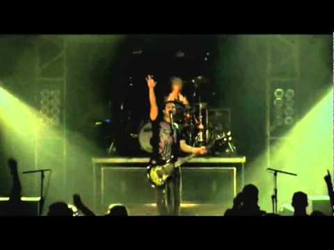 Skillet - Rebirthing (Comatose Comes Alive DVD HQ) Lyrics, Subtitulado