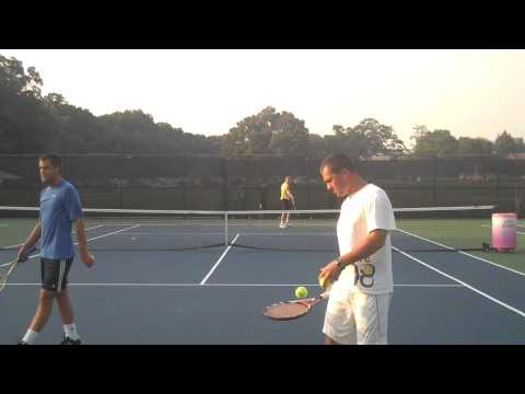Mikhail Youzhny and Dmitry Tursunov Practicing at Legg Mason 2009