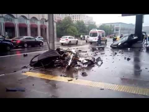 27.06.2015 - Porsche-911(Порше 911) РАЗОРВАЛО в центре Москвы
