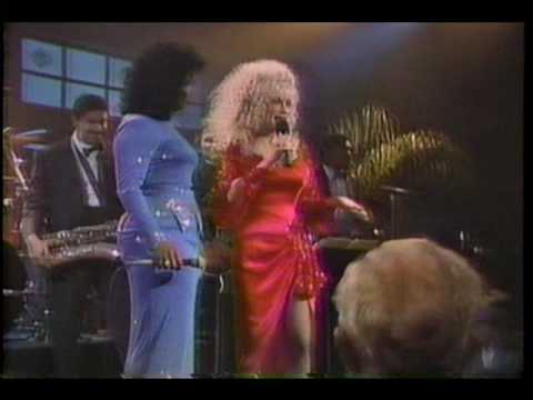 Dr koncertsal Dolly Parton bryster