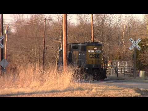 Car Has Close Call With CSX Train!! Vineland, New Jersey - 2-27-14