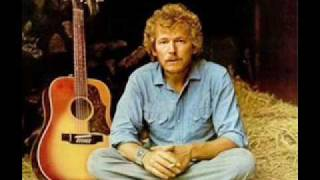 Watch Gordon Lightfoot Miguel video