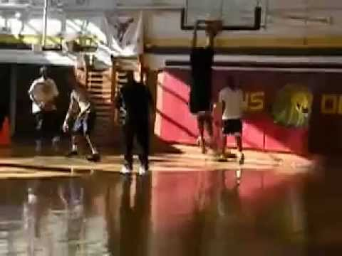 UNC forward Kennedy Meeks shows off weight loss  windmill-dunking    Kennedy Meeks Dunk