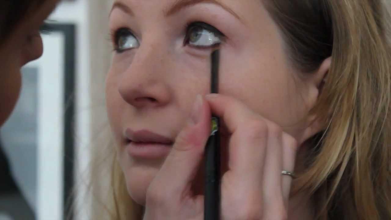 tutoriel maquillage brigitte bardot ann es 60 youtube. Black Bedroom Furniture Sets. Home Design Ideas