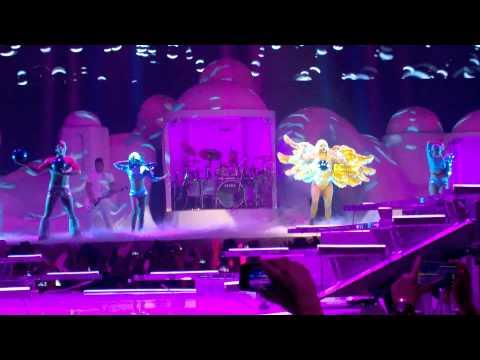 Lady Gaga - Artrave Prague (ARTPOP, G.U.Y.)