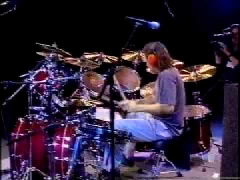 Dave Lombardo Slayer Drum solo - YouTube