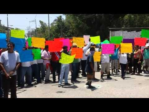 500 perdonas bloquean el CERESO de Acapulco