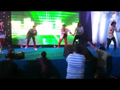 Apdi Pode Choreographed Abhishek N Sachin For Sangeet Sandhya video
