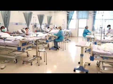 Nach über zwei Wochen in der Höhle: Thailändische Jungen glücklich im Krankenhaus