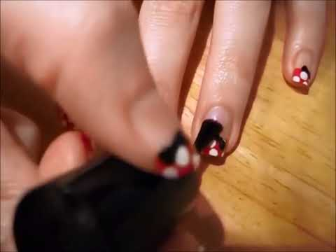 Uñas decoradas de Minnie Mouse