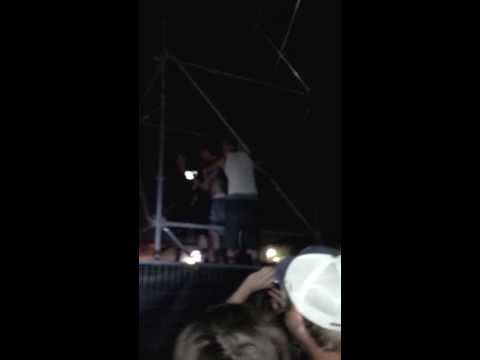 Mumford & Sons – Gentlemen on the road – Simcoe Stop Over – 2013 – Climbing on Speakers Part2