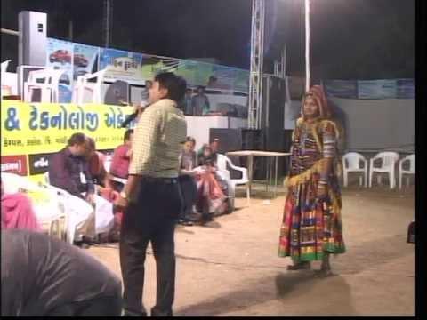 Vikram Thakor Mamta Soni - Gujarati Garba Songs Live 2012 - Day10 - Part 26 video