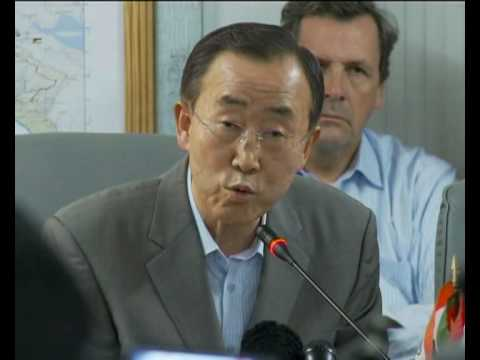MaximsNewsNetwork: BAN KI-MOON IN HAITI WITH PEOPLE & U.N. STAFF (U.N. OCHA / BBC POOL)