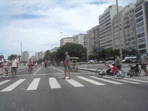Rio de Janeiro. Bike ride. Favela Babilônia, Leme and Copacabana.