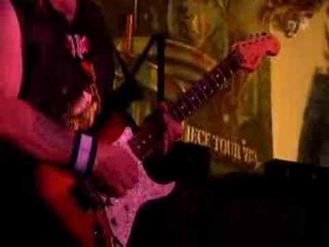Iron Maiden - Drifter (live)