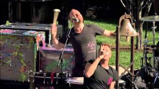Coldplay - Viva la Vida (Live) @ Apple Steve Jobs Memorial