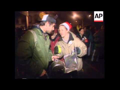 SERBIA: BELGRADE: DEMONSTRATORS TRY TO DROWN OUT STATE TV NEWS