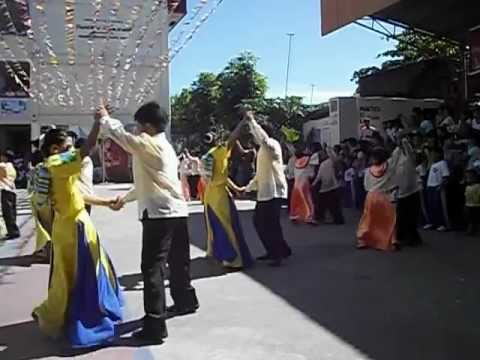 Tesdancetroupe.polka Sa Nayon field Day video