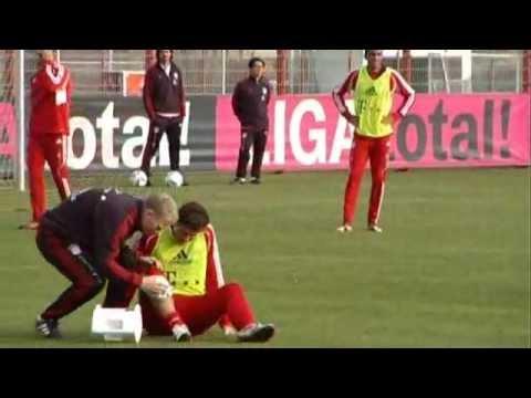 Schock beim FC Bayern Training: Gomez verletzt?