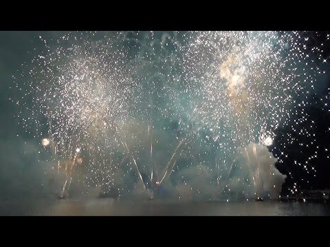 """Epcot IllumiNations NEW """"Let There Be Peace On Earth"""" Holiday Fireworks Finale Tag 2014 Disney World"""