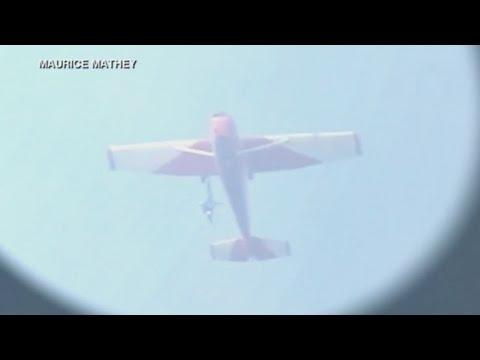 VIDEO: UN PARACAIDISTA QUEDA COLGADO DE UN AVIÓN DURANTE 30 MINUTOS