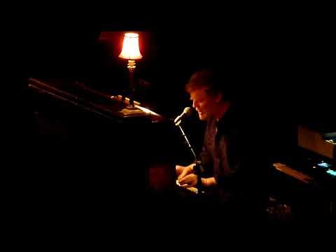 Glen Hansard - Shelter Me @ TivoliVredenburg (3/9)