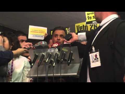 Senador Aécio Neves (PSDB-MG) fala sobre as manifestações