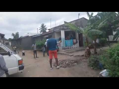 Nikiwa nauza Nyumba kwa mnada wa hadhara kitunda(2)