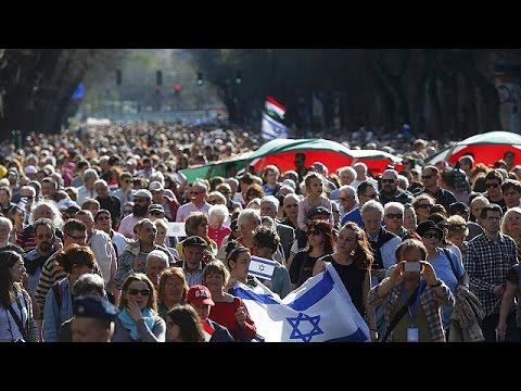 Budapest: Thousands march in remembrance of Holocaust victims
