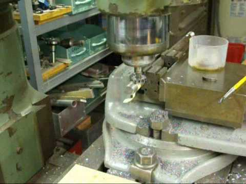 CUTTING A WOODRUFF KEYWAY on the BRIDGEPORT MILL
