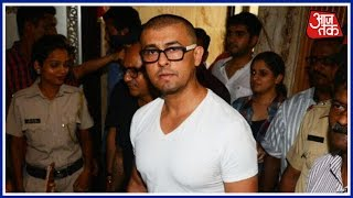 Sonu Nigam Shaves Head, But Cleric Says He Won't Get Rs 10L. Here's why   Part 1