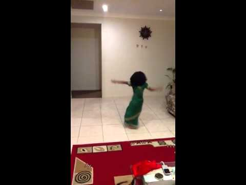 Poorana Azhagullavare Tamil Christian Song Dance video