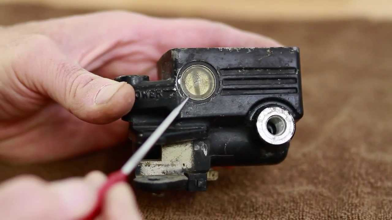 Front Master Cylinder Sight Glass Removal And Replacement