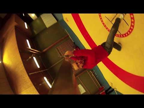 Video tomado desde la punta de una espada en movimiento