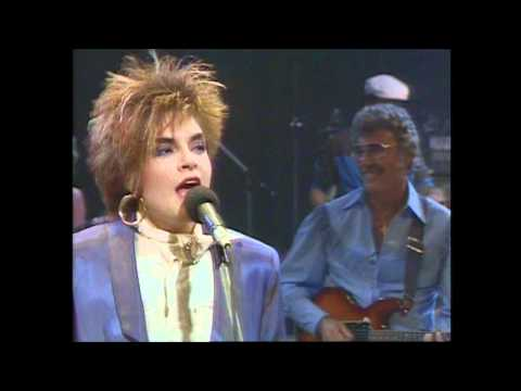 Rosanne Cash - Paralyzed