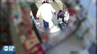 Tampa Police looking for suspect who robbed dollar store at gunpoint