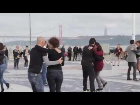 Flashmob Kizomba - Showit Dance Academy - Profs Fernando e Jú 05/04/2014