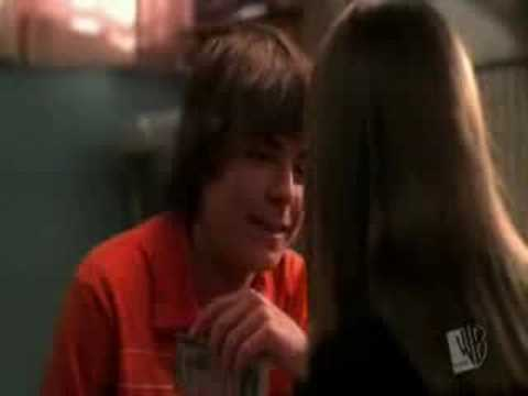 Kiss the girl - Ashley Tisdale & Zac Efron. 733061 shouts