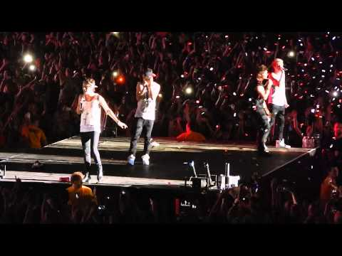 One Direction (What Makes You Beautiful) - Hershey Park Stadium - Hershey, PA - July 6, 2013