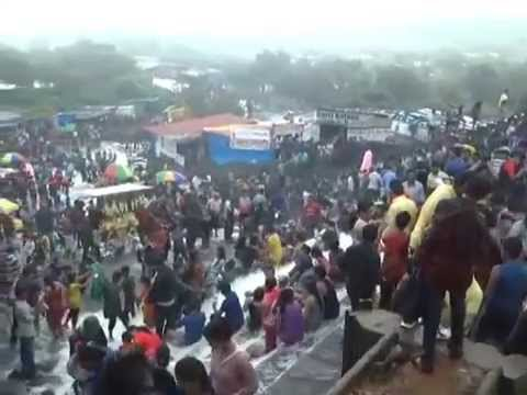 Lonavla Bhushi dam weekend rush of tourists | MPC News | Pune | Pimpri-Chinchwad