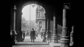 1911 - Street Crossing in Vienna, Austria (speed corrected w/ added sound)