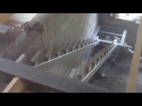Лестница сварная 90 гр с площадкой, на косоурах