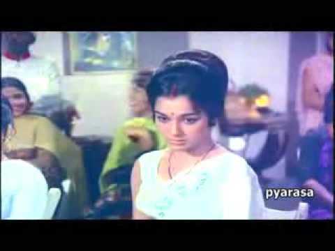 YouTube - Meri Zindagi Mein Aate - Kanyadaan (1969).flv