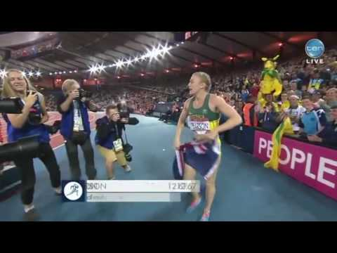Sally Pearson wins gold then hugs Mossy and Robbo at Glasgow 2014